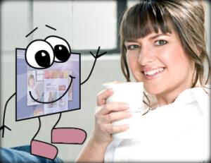 Heidi Pütz am Schreibtisch mit Kaffee-Tasse